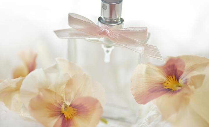 【男女別のおすすめ香水12選】香水で目指せ好感度UP!人気の香水とサブスクサービスをご紹介